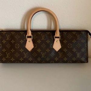 Auth Louis Vuitton Sac Triangle Monogram Purse 👛